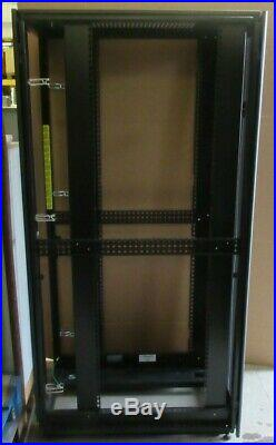 Dell Poweredge 4210 19 42U (2000mm 975mm) Server Network Data Rack Cabinet